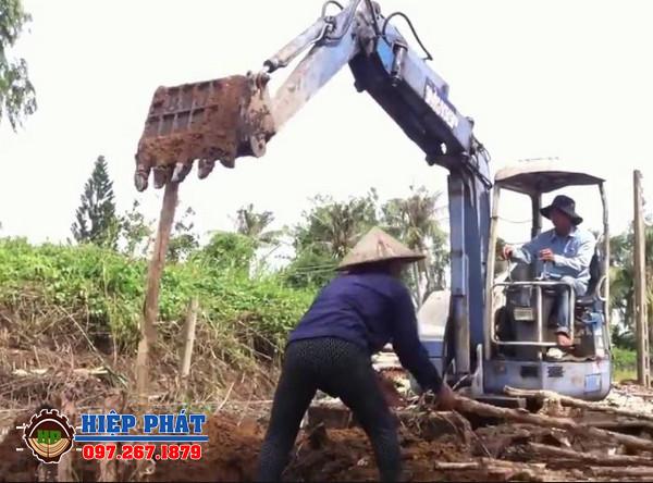 Nên đóng cừ tràm hay đóng cọc bê tông trong các công trình xây dựng